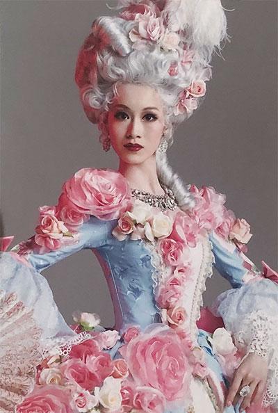 1789の衣装を着た愛希れいか